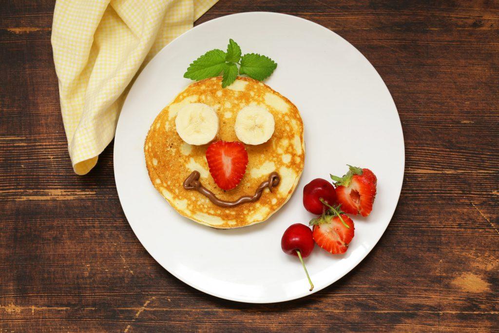 decorating pancakes